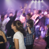 Party Crowd Bang Bang Gelsen in Beverly Buer